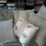 1533730 10202009704589832 3567676711415037921 n 150x150 Tessuti e arredamento. Un cuscino può fare la differenza.