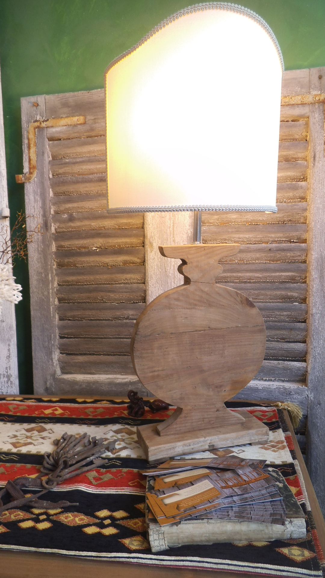 dscf4298 Mandolesi Restauro. L'artigianalità nel legno.