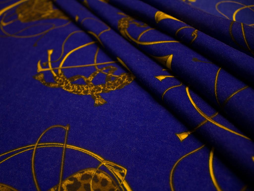 Fanfara blu elettrico giusti tessuti for Vendita tessuti arredamento on line
