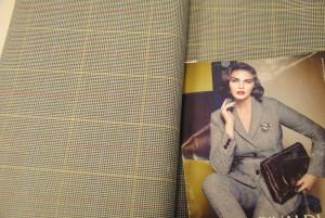 2009 01 12 20.07.46 300x201 Gonne in lana e abiti tecno. Pregi e difetti di due tessuti a contrasto.