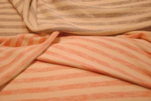 DSC 1476 300x201 Tra un giocattolo e una pappa, le mamme si danno al cucito. Abbigliamento bimbi hand made