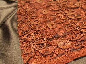 01132 300x225 Rilievo di fiori e spirali
