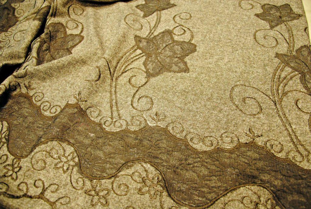 Pizzo e lana flower giusti tessuti for Vendita tessuti arredamento on line