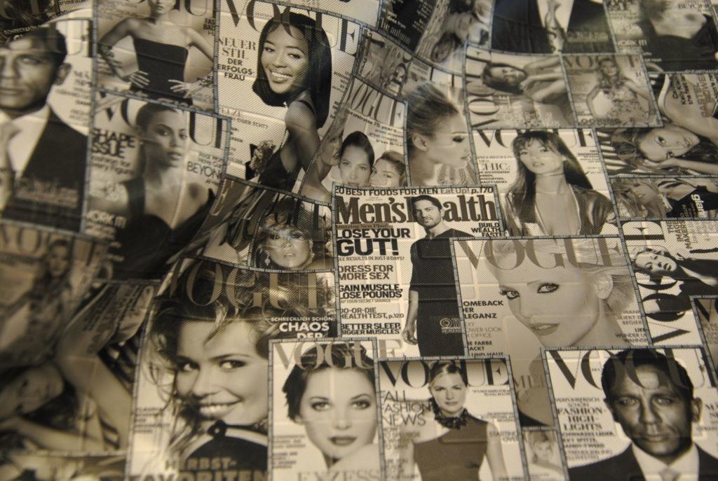 on 2 1024x687 Vogue bianco e nero   TAGLIO UNICO 2,10