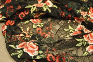 DSC 1838 2 300x201 Il RICAMO come PUNTO moda