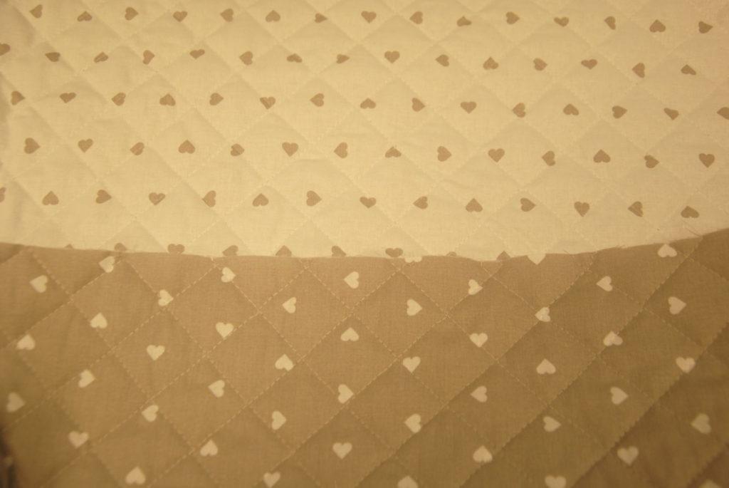 DSC 1872 1024x685 Trapunta Cuori   tortora