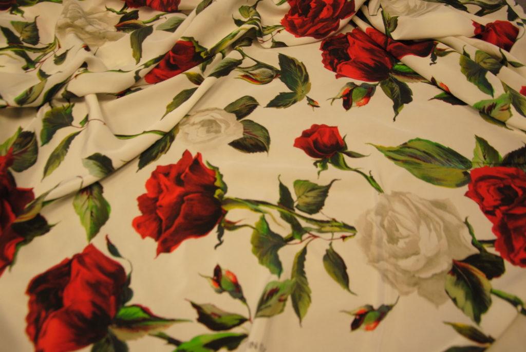 DSC 2425 1024x685 Red Roses   pura seta