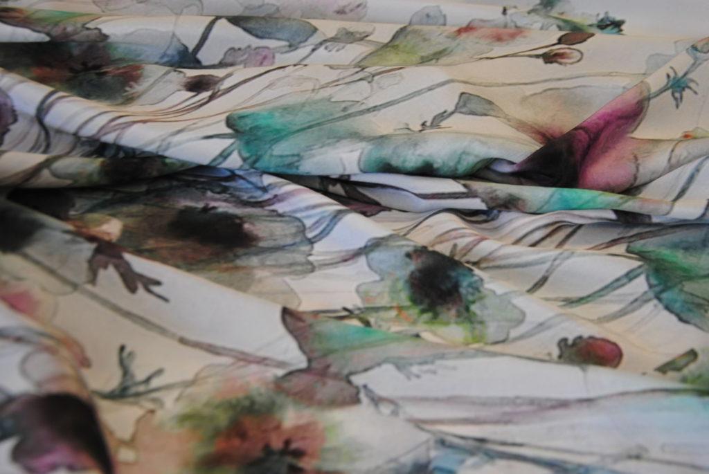 DSC 0098 1024x685 Dipinto su seta   PANNELLO abito VENDUTO