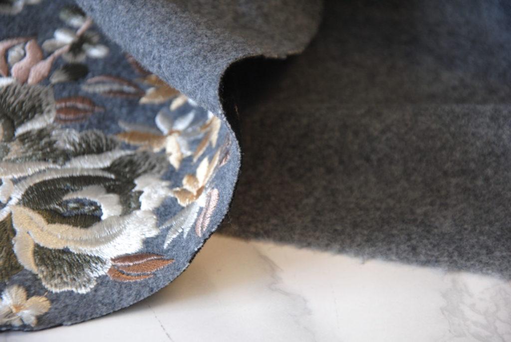 DSC 0162 2 1024x685 Cappotto Ricamo   grigio melange