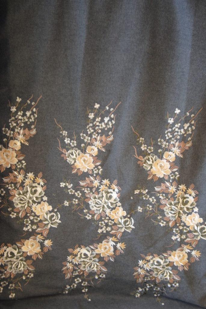DSC 0164 2 685x1024 Cappotto Ricamo   grigio melange