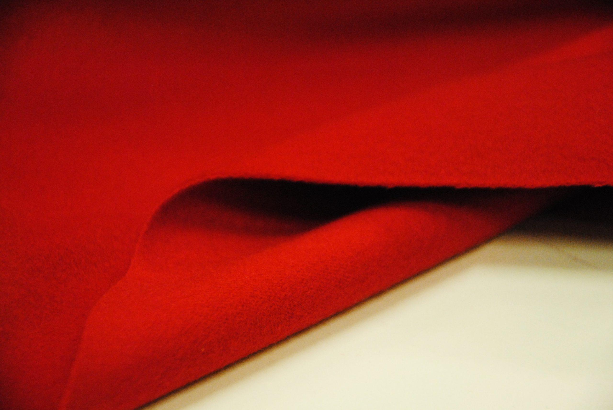 DSC 1139 scaled Velour Rosso TAGLIO UNICO