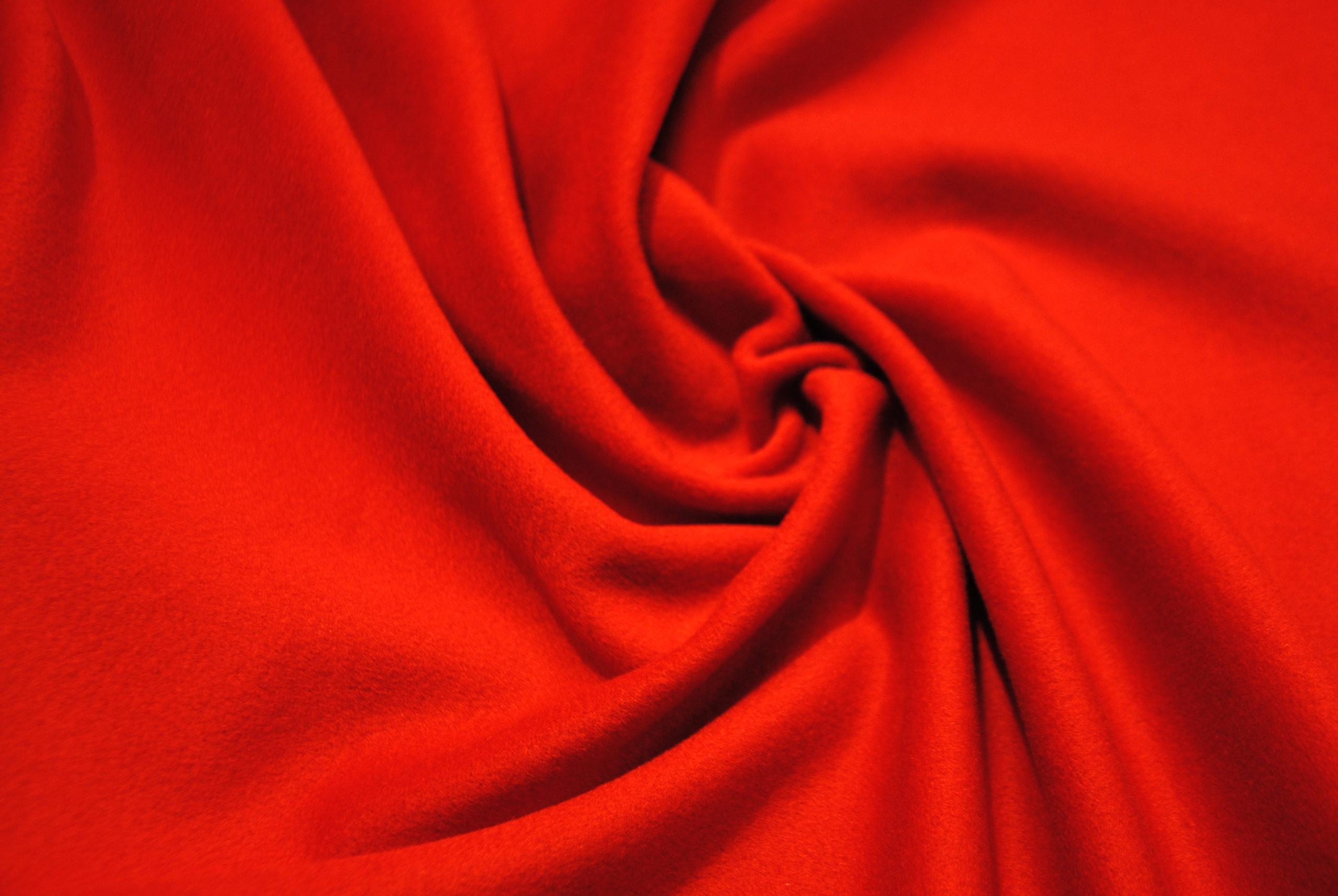 DSC 1146 scaled Velour Rosso TAGLIO UNICO