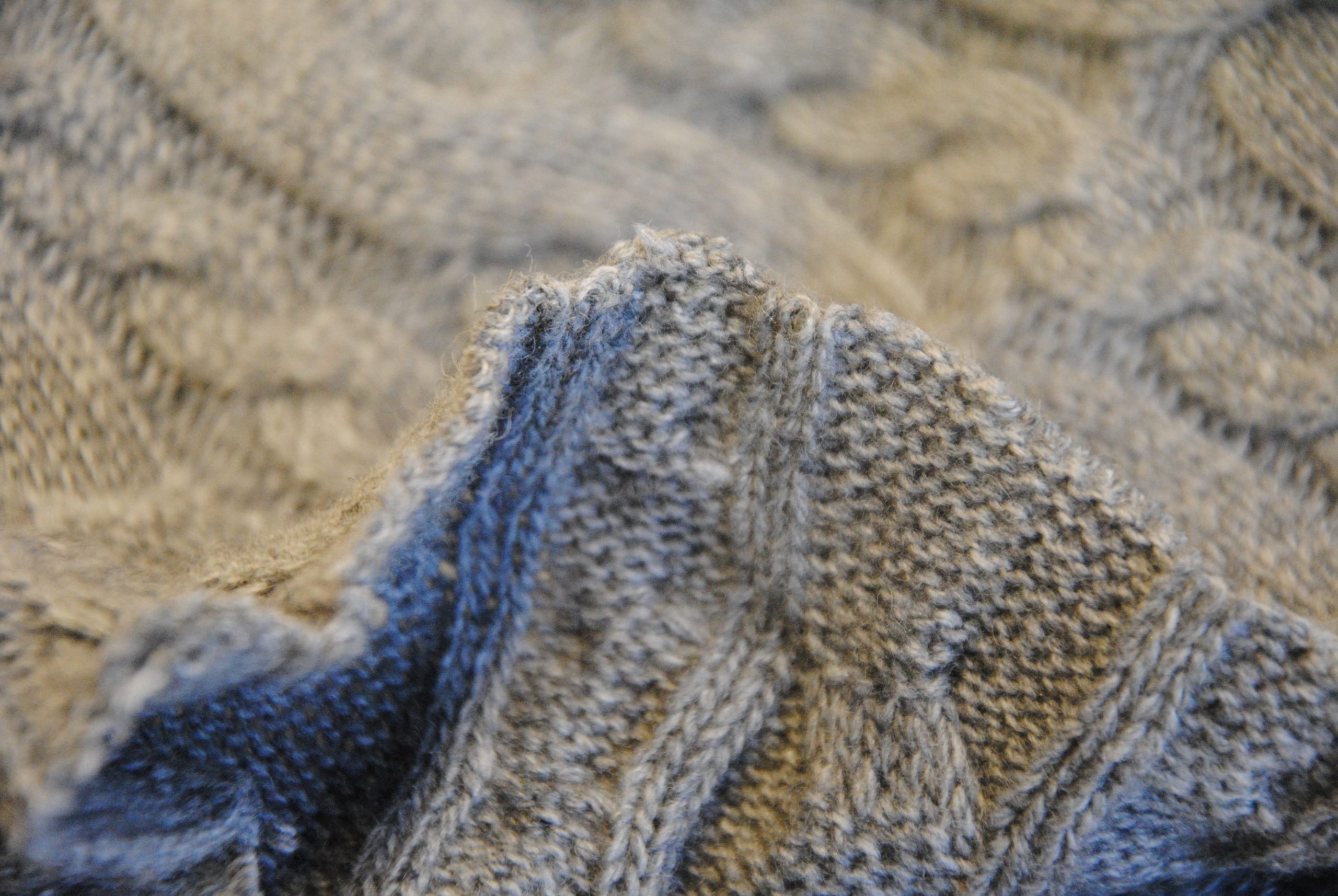 maglione 3 scaled Knitting Light Grey