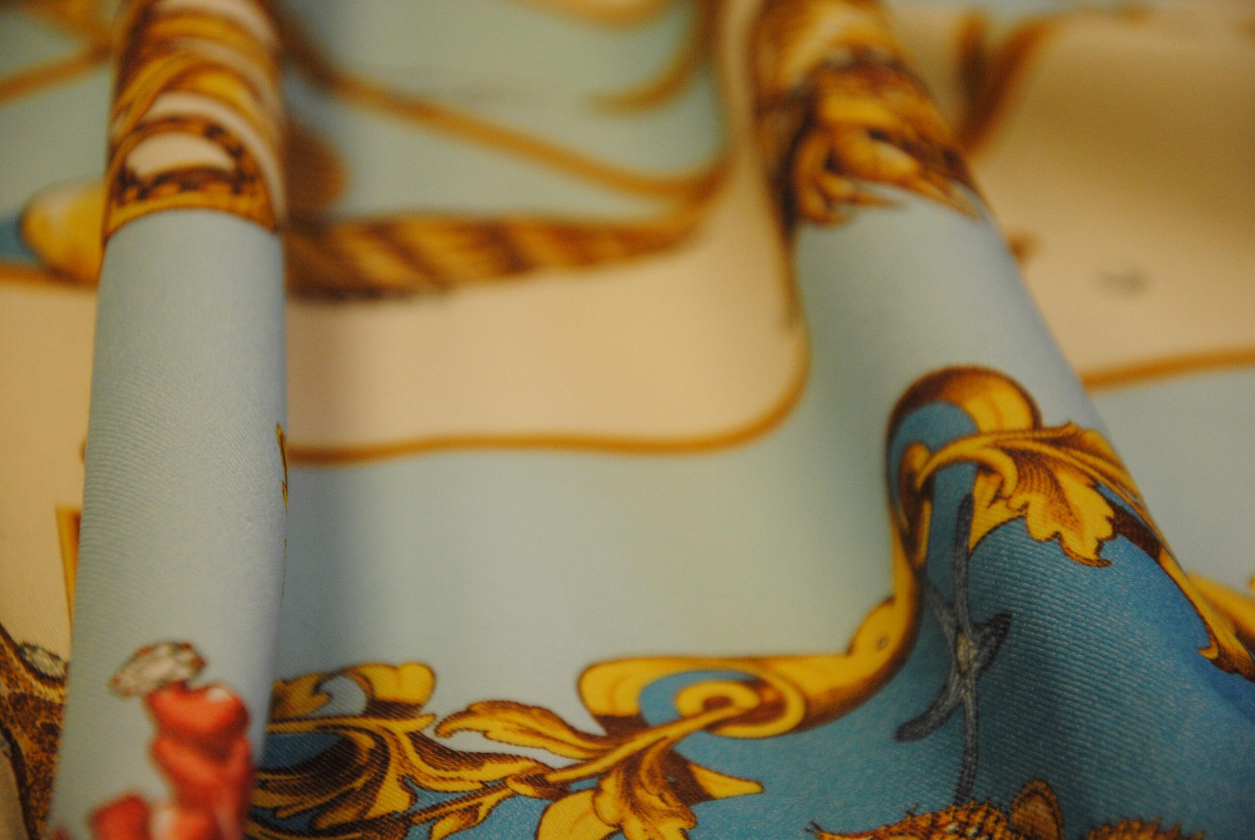 DSC 0075 scaled GOLD   canvas Daniela Drei