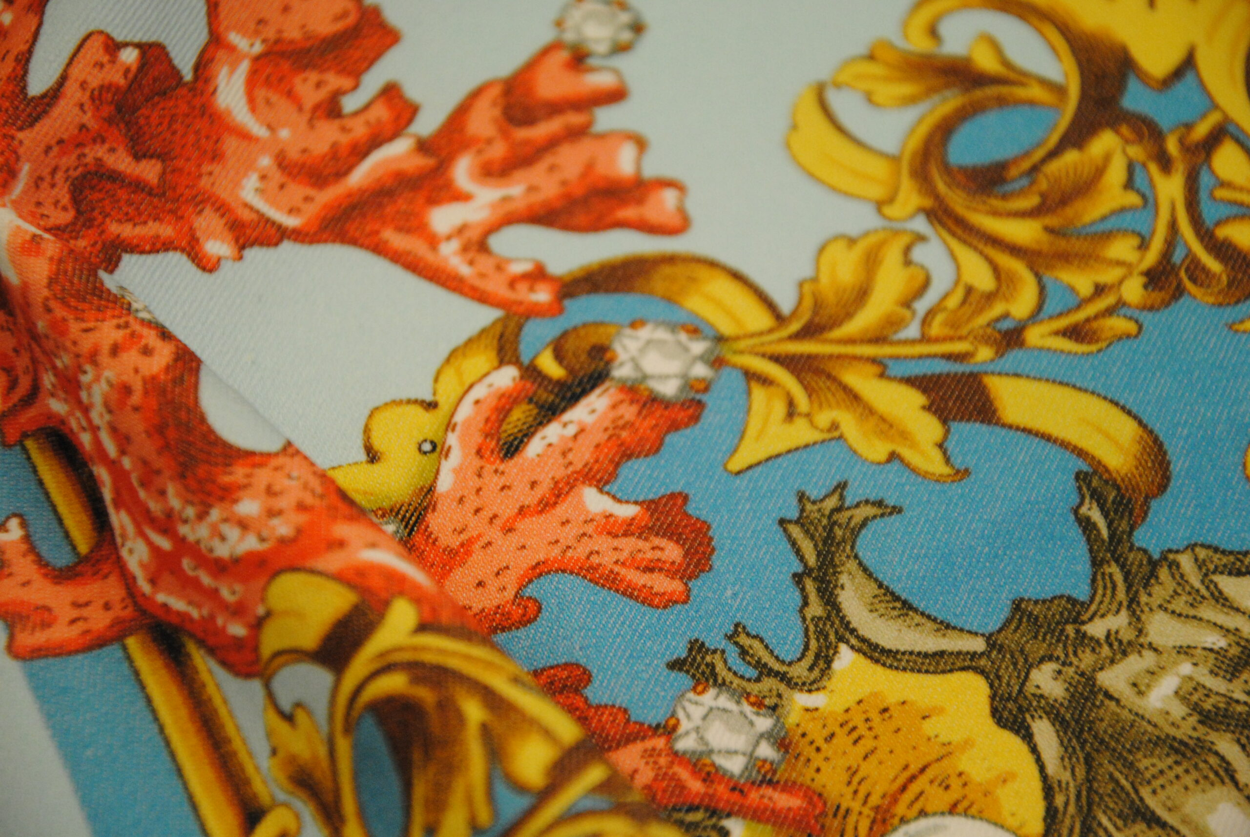 DSC 0077 scaled GOLD   canvas Daniela Drei