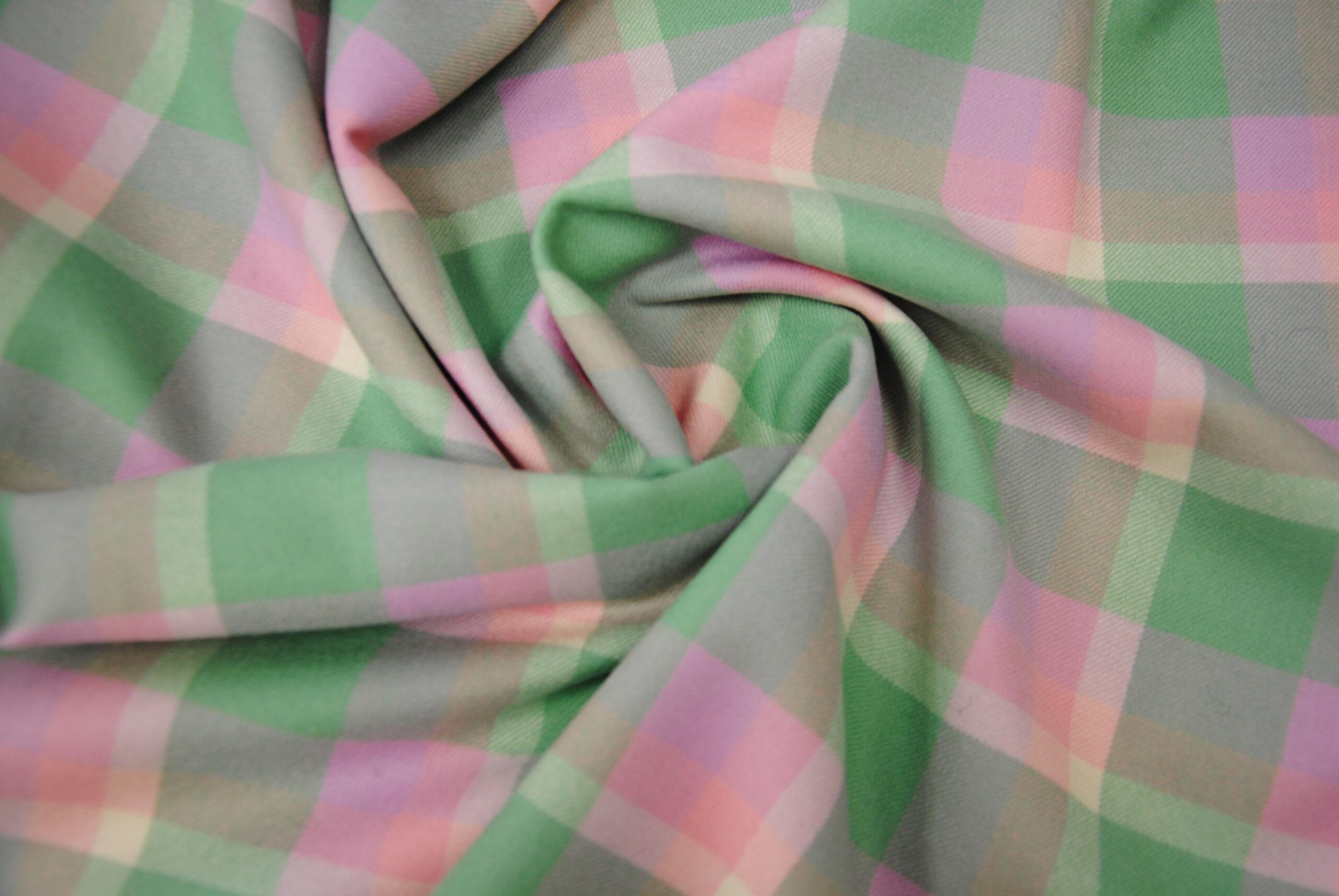 scacco rosa 5 scaled Scottish Style   Menta & Rosa ULTIMI METRI