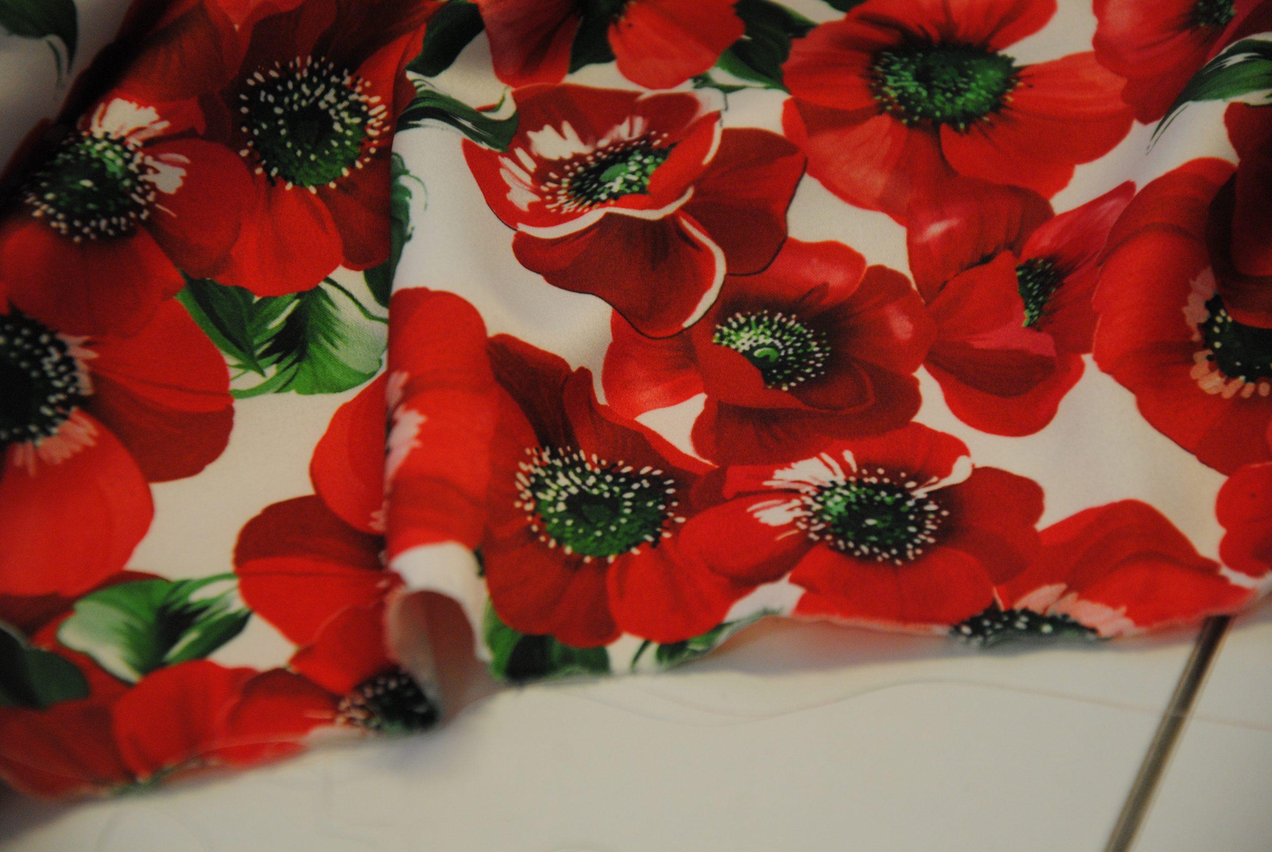 DSC 0013 3 scaled Papaveri e Papere   raso rosso & bianco ULTIMO TAGLIO