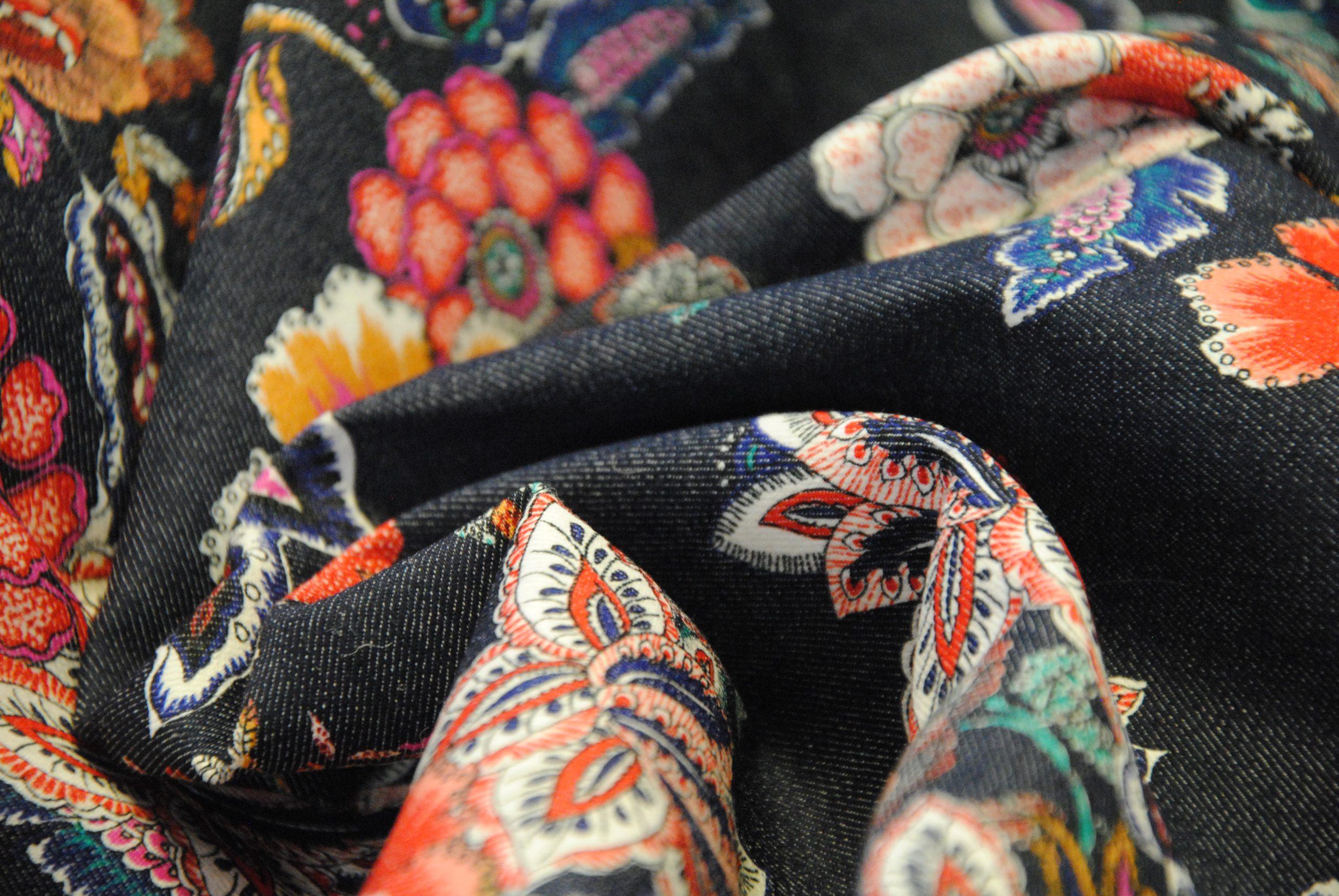 canvas 8 scaled Denim Stretch   blu jeans