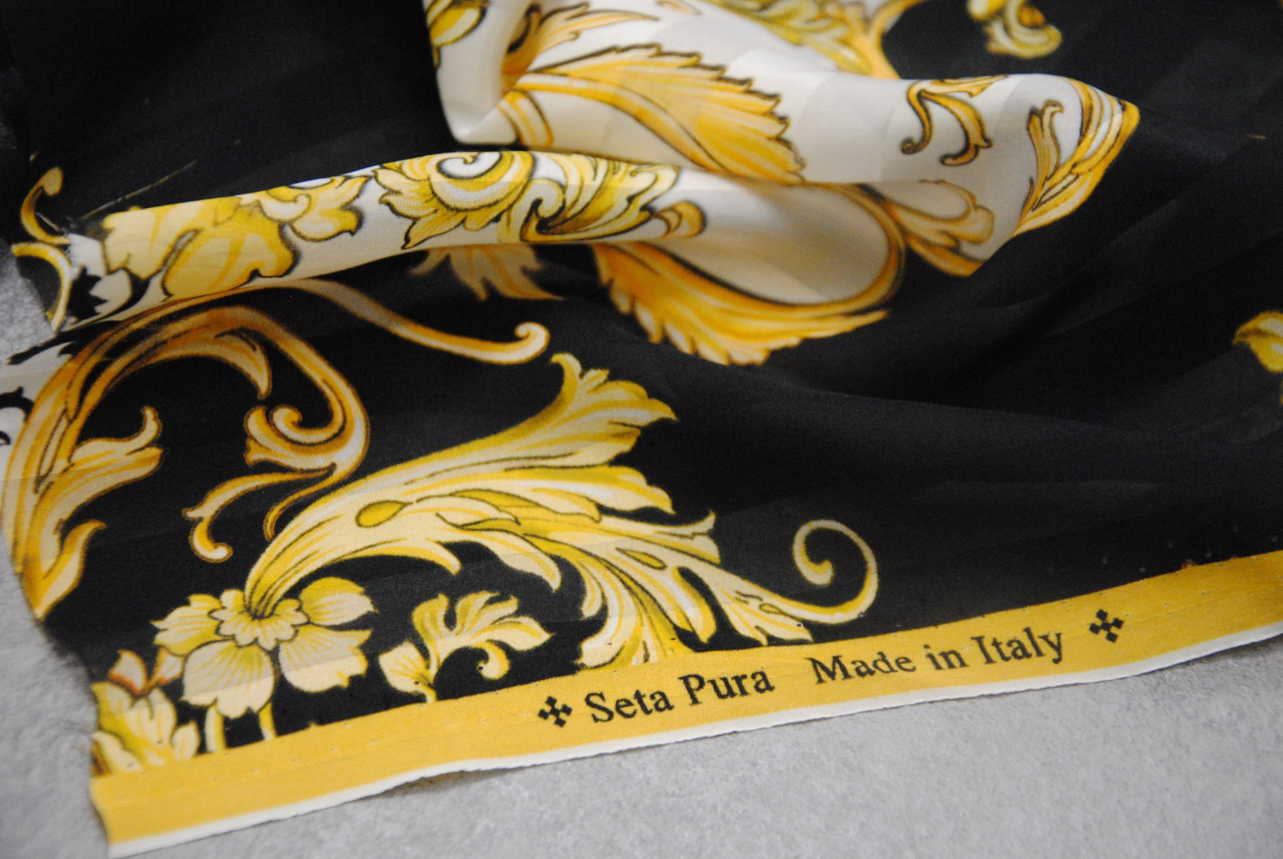 vintage f 8 scaled Seta Made in Italy   Gold & Chic